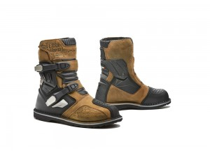 Boots Forma Adventure Riding Terra Evo Low Brown