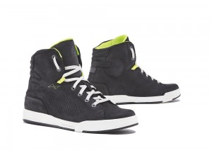 Zapatos Moto Forma Urbana Cuero Impermeable Swift Flow Negro Blanco