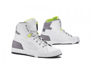 Zapatos Moto Forma Urbana Cuero Impermeable Swift Flow Blanco Gris