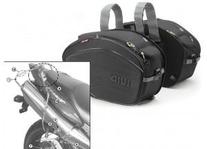 Satteltaschen Givi EA100B + Abstandshalter für Honda Hornet 600