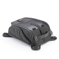 CRM103 - Givi Corium Magnetic tank bag 8 Liters